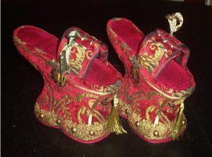 средновековни обувки