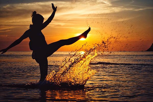 морска забава на залес слънце