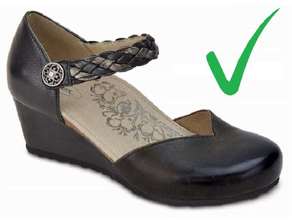 Удобни обувки с просторна зона за пръстите