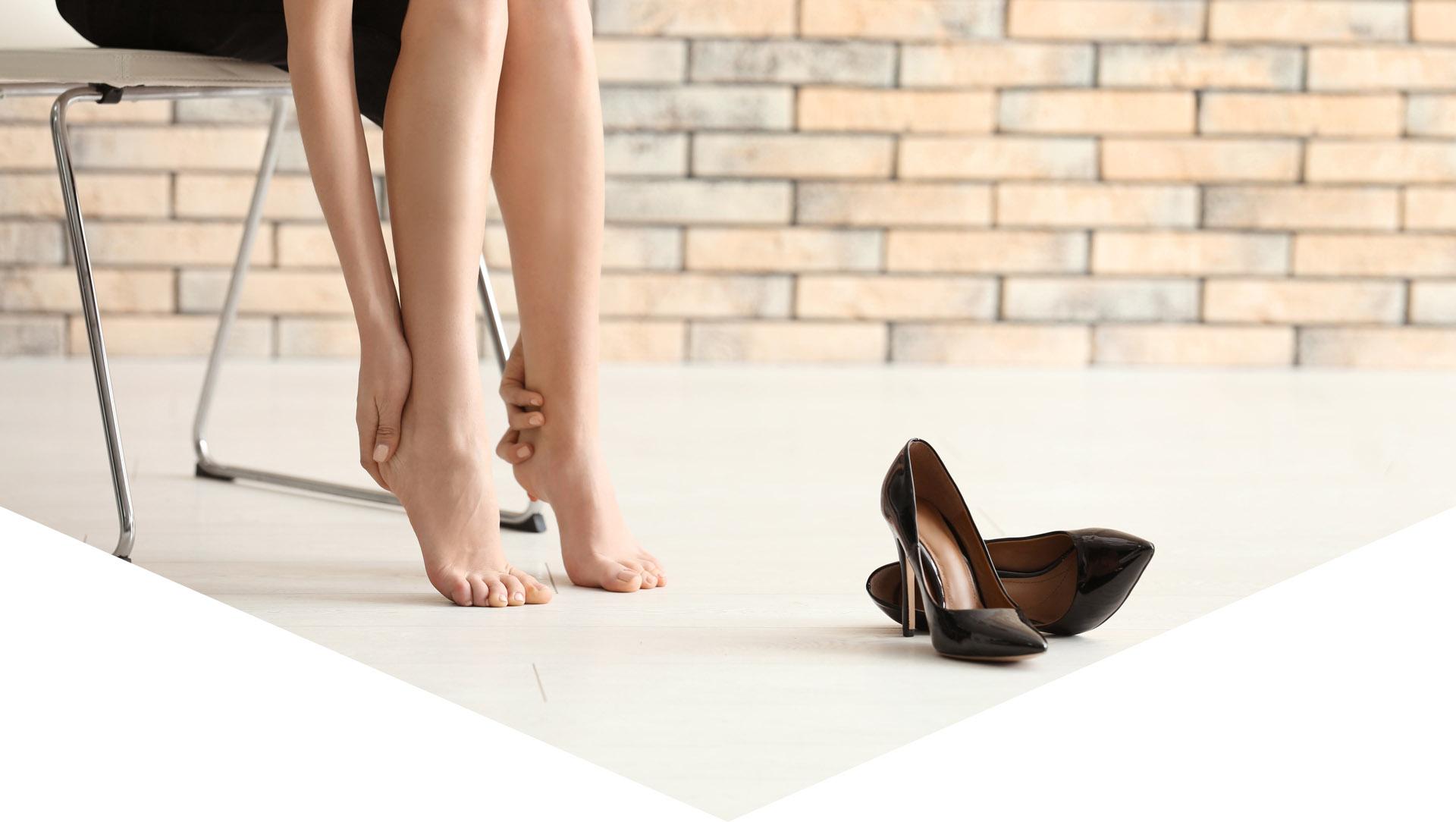 Уморени дамски стъпала